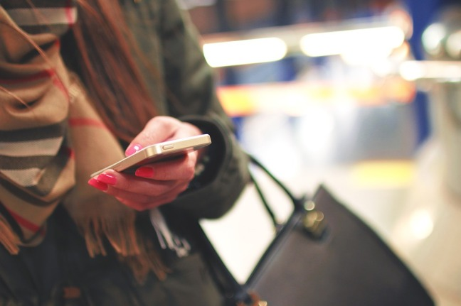 iphone-926235_960_720